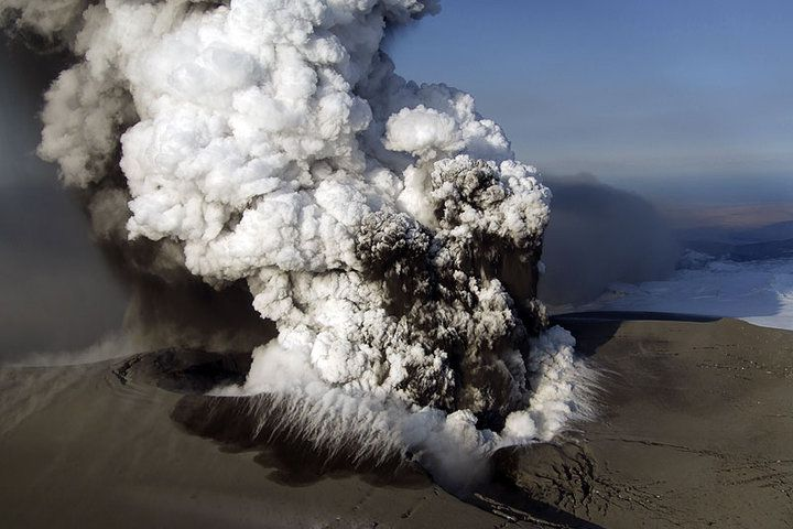 eruption du volcan en islande. Black Bedroom Furniture Sets. Home Design Ideas