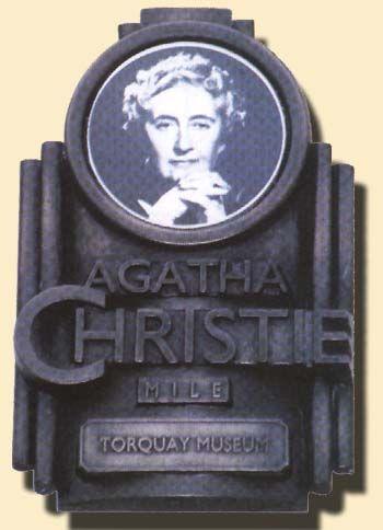 Agatha de ville la reine de la levrette - 3 4